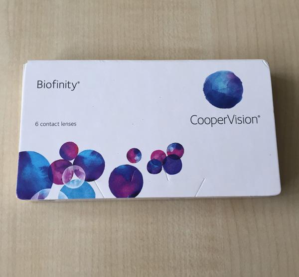 Verpackung der Biofinity Monatslinse