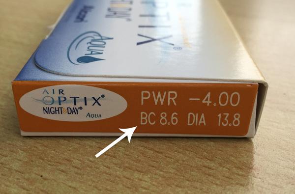BC-Wert von Kontaktlinsen auf Verpackung