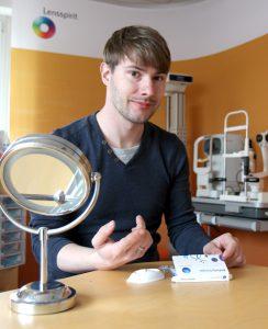 Immanuel mit der neuen Biofinity Energys Kontaktlinse